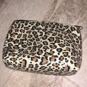 Cheetah Print Sequin Make Up Case🖤 LIKE NEW!